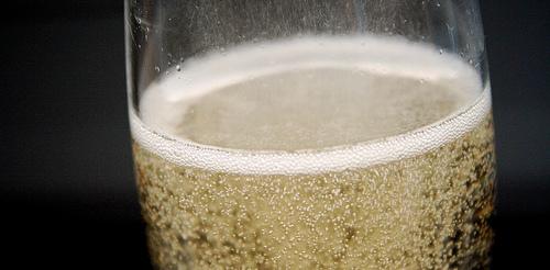 Champagner zum Fest: preiswert nur für Großzügige