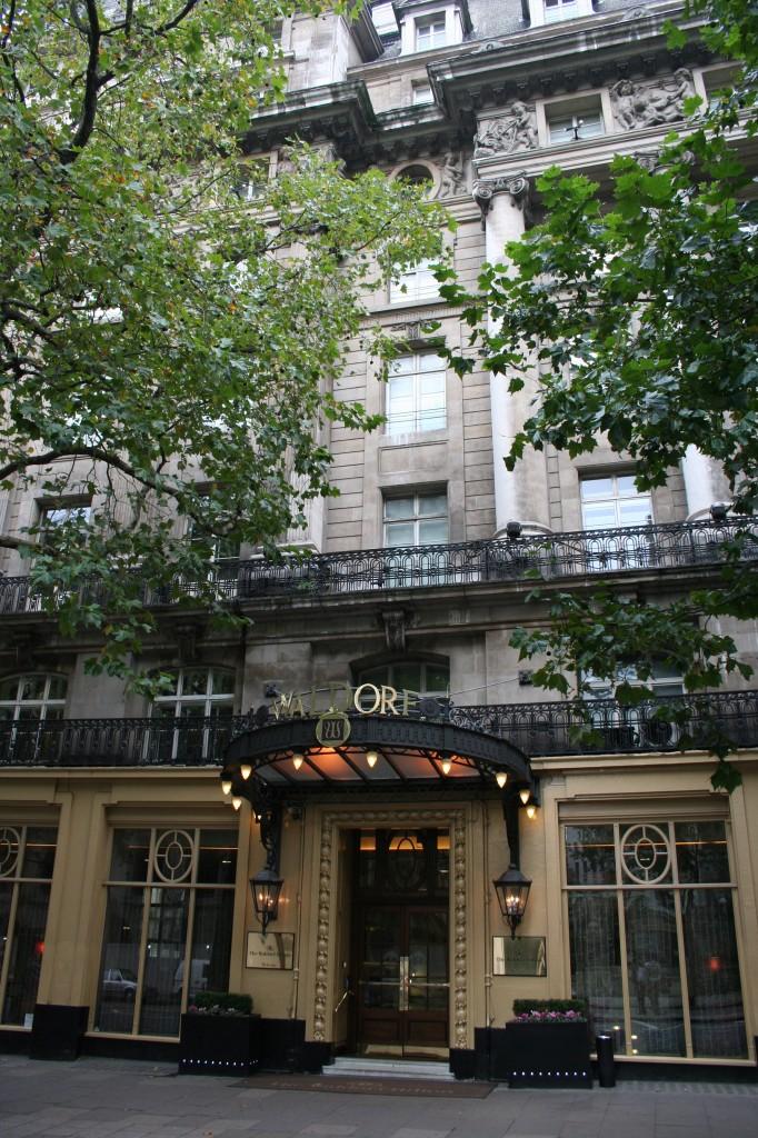 London (2): A big night out. The Waldorf, Bohemian Lounge Bar & Tây Đô