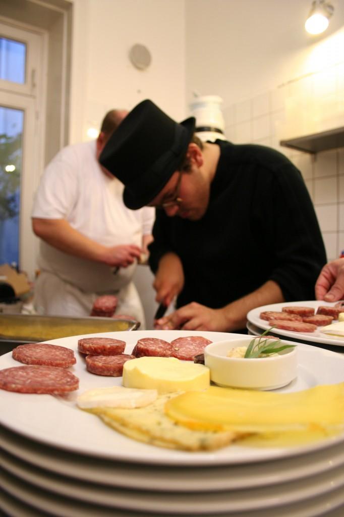 """""""Ahle Wurscht""""-Abendessen mit Wurstsack und Kitchen Guerilla im Restaurant Trific"""