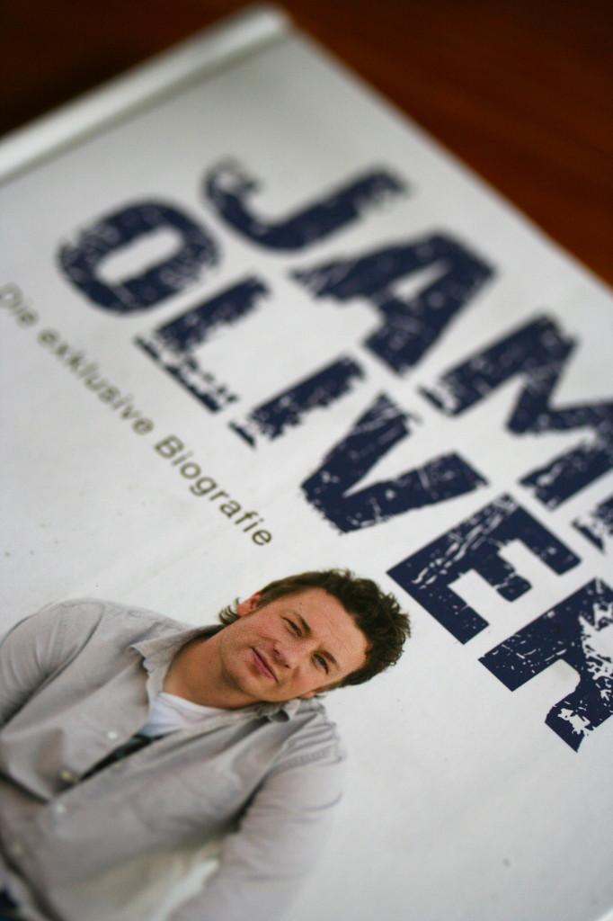 Gelesen: Jamie Oliver – Die exklusive Biographie von Rose Winterbottom